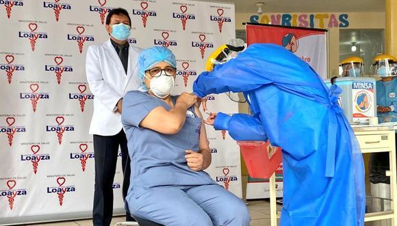 Después de 21 días desde que la primera recibió la primera dosis tras la llegada del lote de 300 mil vacunas contra el COVID-19, el día de hoy completaron con su proceso de inmunización. (Foto: Minsa)
