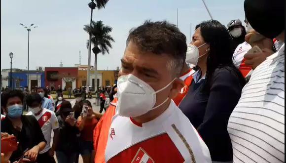 Julio Guzmán brindó una conferencia de prensa desde Chiclayo y negó que vaya a retirar su plancha presidencial. (Foto: GEC)