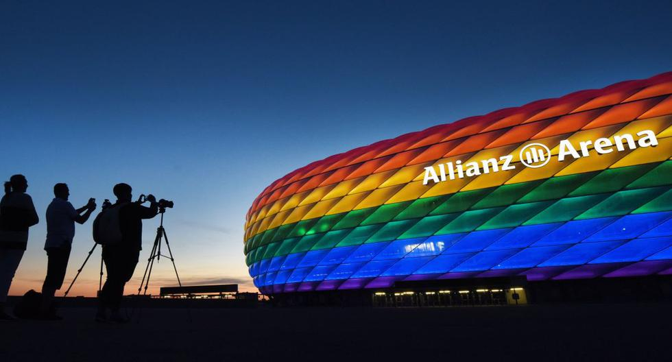Germany dresses in rainbow colors in the face of UEFA's