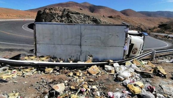 La PNP informó que el vehículo se accidentó en una curva porque al parecer iba a mucha velocidad. (Foto: PNP)