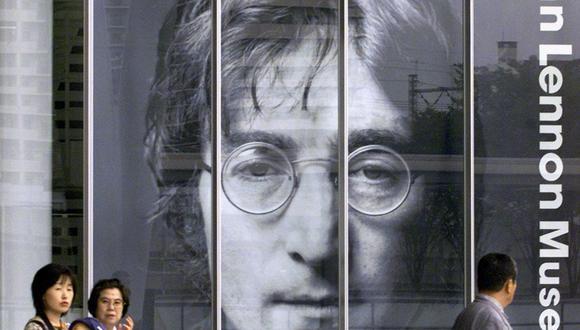 Las gafas fueron puestas a la venta por Alan Herring, chófer de Ringo Starr y George Harrison, en Londres. (Foto: AFP)