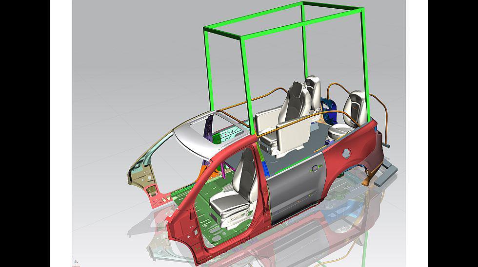 Para modificar una Traverse de serie en el papamóvil se necesitaron cinco meses de trabajo y un grupo de más de 50 personas, entre ingenieros y técnicos de General Motors Colombia. La estructura tiene vidrio templado con revestimientos de seguridad en la parte superior y delantera.
