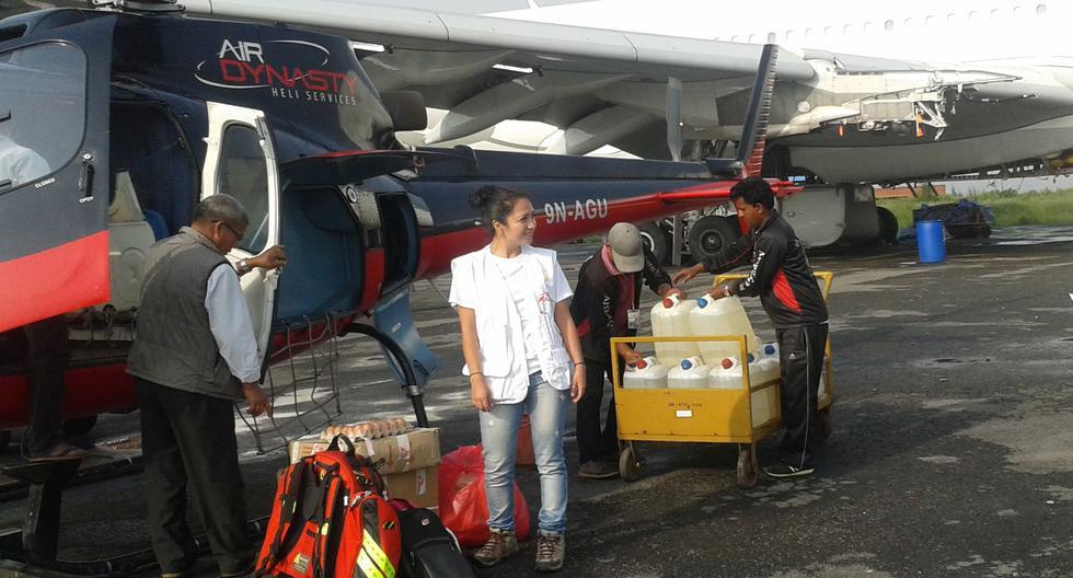 La peruana Pamela Rosales es jefa de proyectos en Médicos Sin Fronteras. Ahora se encuentra en Myanmar. En la imagen, la compatriota durante la misión tras el terremoto del 2015 en Nepal. (Foto: Pamela Rosales / MSF)