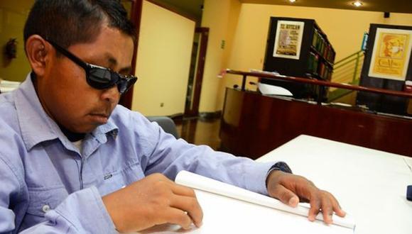 Biblioteca de Miraflores ofrece obras literarias en Braille