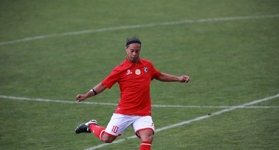 Ronaldinho, en 2016, vistió la camiseta de Cienciano en un partido amistoso disputado en el Cusco   Foto: Lino Chipana/GEC