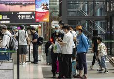 China restringe los viajes al extranjero de sus ciudadanos por el coronavirus