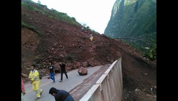 Carretera Fernando Belaunde bloqueada por nuevo deslizamiento