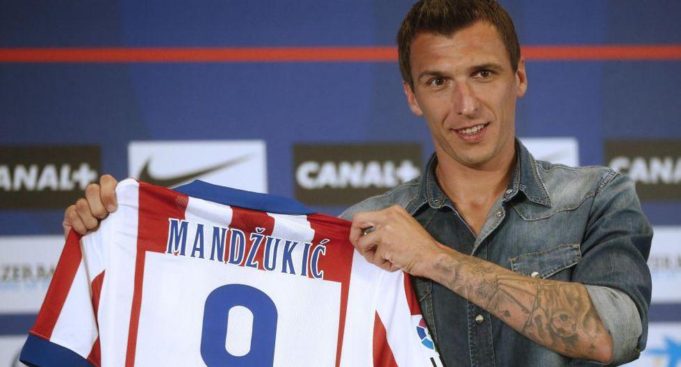 Mandzukic presentado con el '9' de Villa en Atlético de Madrid - 6