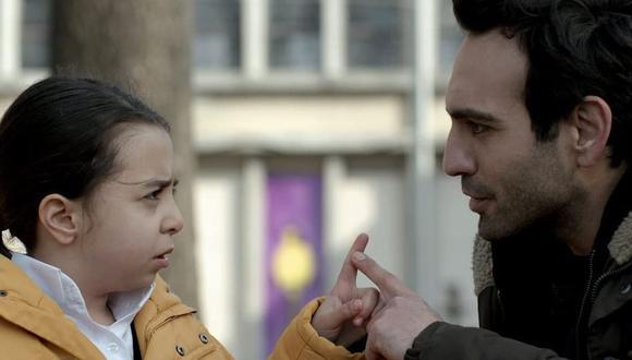 Buğra Gülsoy y Beren Gökyıldız como Demir y Öykü, respectivamente. (Foto: Med Yapım)