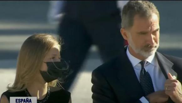La princesa Leonor junto a su padre, el Rey Felipe VI.