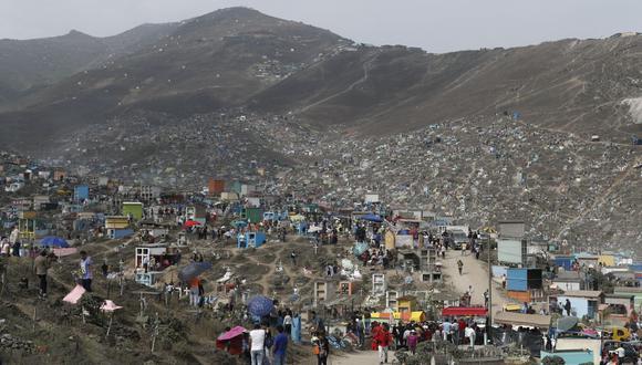 En años anteriores, miles de personas visitaban el cementerio de Nueva Esperanza cada 1 de noviembre. (GEC)