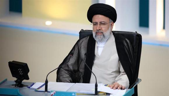 El candidato presidencial iraní Ebrahim Raisi durante el segundo debate televisado entre los postulantes. (Foto: EFE).