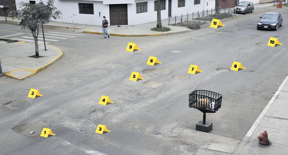 Los baches de la avenida Santa Anita, en Chorrillos, se podrían contar como bombazos en la escena de algún crimen. Solo a lo largo de 20 metros de vía hay 15 huecos de gran tamaño y otros que superan los 20 centímetros de diámetro.