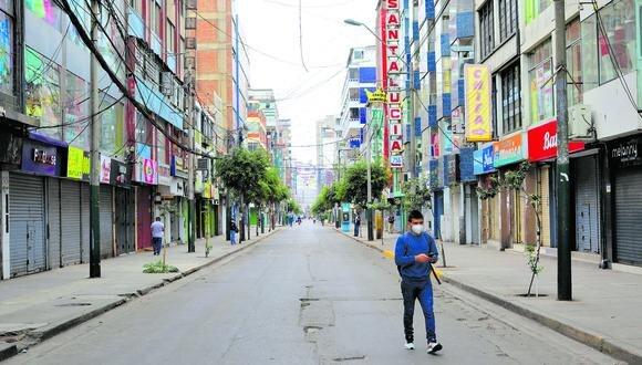 Por ahora, Gamarra seguirá sin público en sus calles. Sus locales podrán operar a puerta cerrada. (Foto: Anthony Niño de Guzmán / El Comercio)