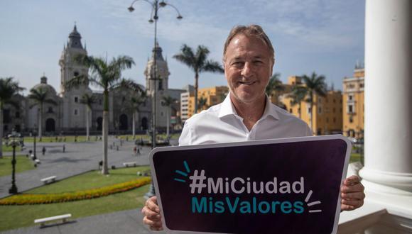 Jorge Muñoz lanza campaña de valores