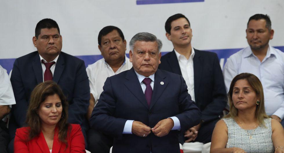 César Acuña encabezó este jueves la presentación de la agenda que temas que priorizará APP en el próximo Congreso. Destacan seguridad ciudadana, descentralización, salud y reforma política. (Foto: Rolly Reyna)