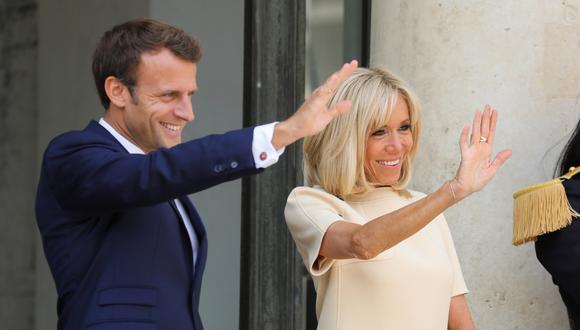 """""""¡Muito obrigada!"""", le dice Brigitte Macron a los brasileños que la apoyan. Foto: Archivo de AFP"""