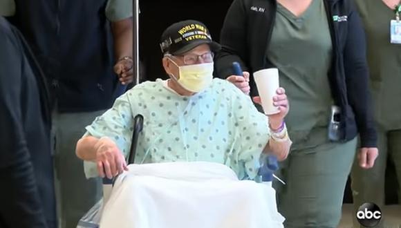 Major Wooten, un hombre de Alabama que pasó la Segunda Guerra Mundial reparando trenes dañados por bombas en Francia, se recuperó del coronavirus a tiempo para celebrar su cumpleaños 104. (Captura de video/YouTube).