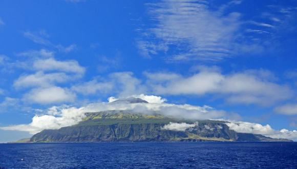 Si crees que Tristán de Acuña parece un volcán saliendo de las aguas en medio del Atlántico, estás en lo cierto. (Getty Images).