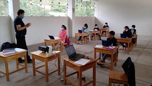 """El ministro de Educación, Juan Cadillo, indicó que el impacto del COVID-19 ha sido muy fuerte"""" en el sector educación y que, en el 2020, unos 245 mil estudiantes abandonaron sus estudios. (Foto: Minedu)"""