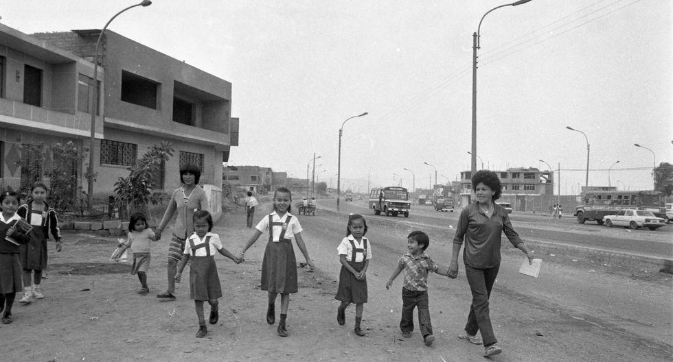 Lunes 2 de abril de 1984, primer día de clases en los colegios de Lima. (Foto: Archivo Histórico El Comercio)