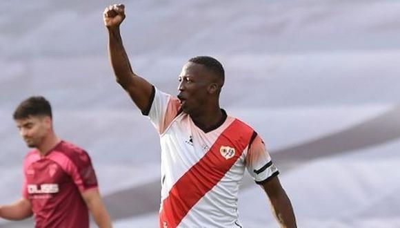 Luis Advíncula llegó al Rayo Vallecano en la temporada 2018 procedente de Tigres. (Foto: AFP)