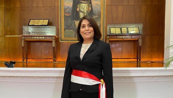 """Delia Muñoz, ministra de Justicia, dijo que """"lo único que he pedido es una reunión con el abogado del caso. Esta mañana me he reunido con el premier, para establecer a qué abogados podríamos invitar"""". (Foto: PCM)"""