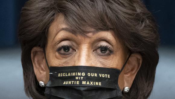 Maxine Waters, miembro de la Cámara de Representantes, en el ojo de la tormenta. AP