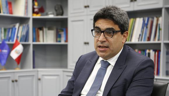 Martín Benavides dijo que el año escolar podría ser ampliado. (Foto: Manuel Melgar/GEC)