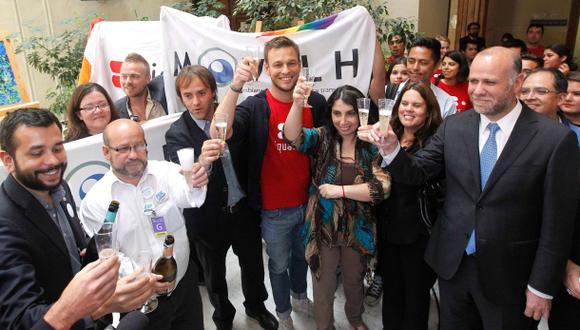 Histórico: Chile aprobó la unión civil entre homosexuales