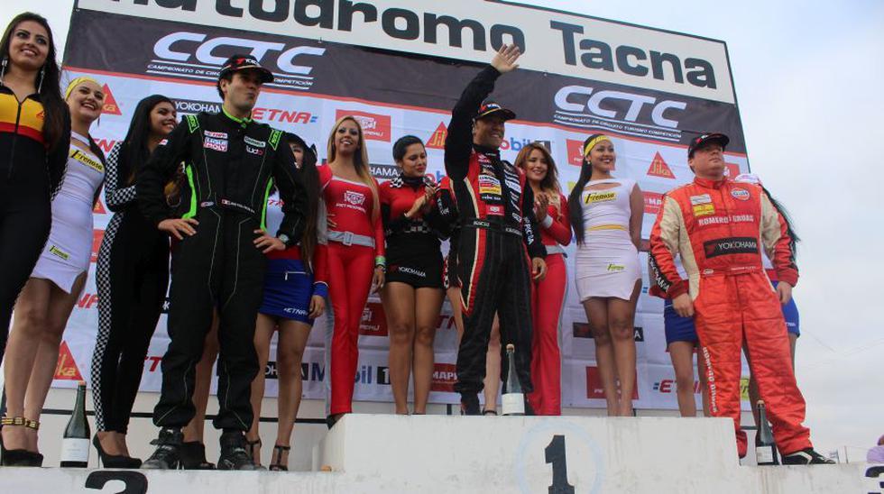 Kobashigawa en el podio de ganadores. (Foto: Christian Cruz V.)