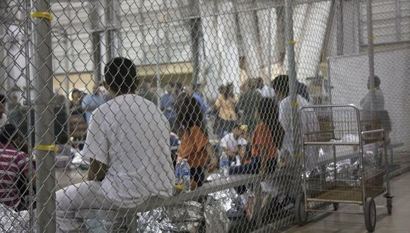 Un centro de detención de migrantes en McAllen, Texas. (AFP).