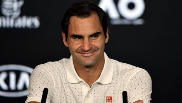 Roger Federer en su versión más atípica: el juego de las escondidas con su fisioterapeuta en el Australian Open [Foto: AFP]
