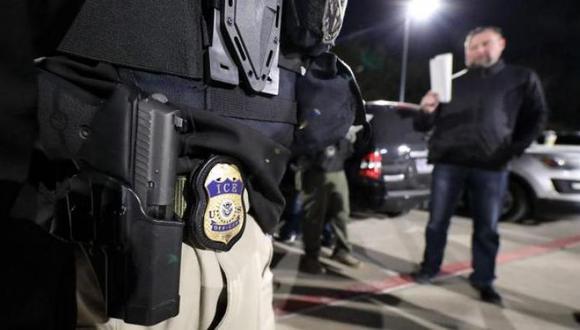 ICE se encarga de la deportación de inmigrantes indocumentados en Estados Unidos.(Foto: AFP)