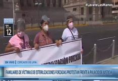 Caso esterilizaciones forzadas: víctimas realizaron protesta fuera del Palacio de Justicia