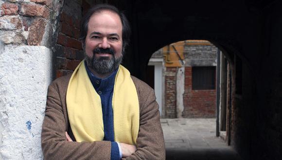 """Juan Villoro: """"Muchas veces llevamos una existencia espectral"""""""