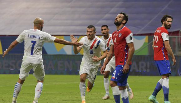 Chile culminó su participación en fase de grupos con una derrota ante Paraguay (Foto: AFP)