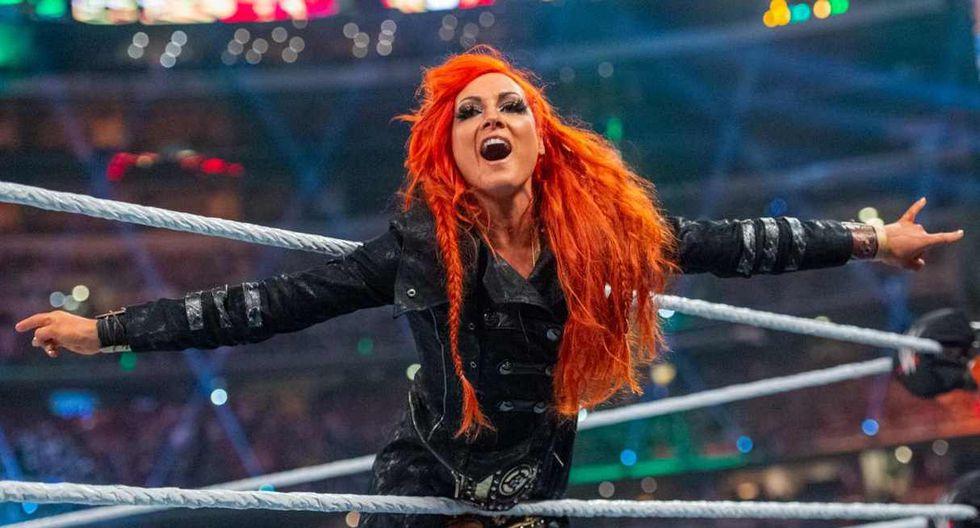 Becky Lynch, Sasha Banks y Charlotte Flair debutaron en Wrestlemania 32 en una triple amenaza que ganó la 'Reina'. (Foto: WWE)