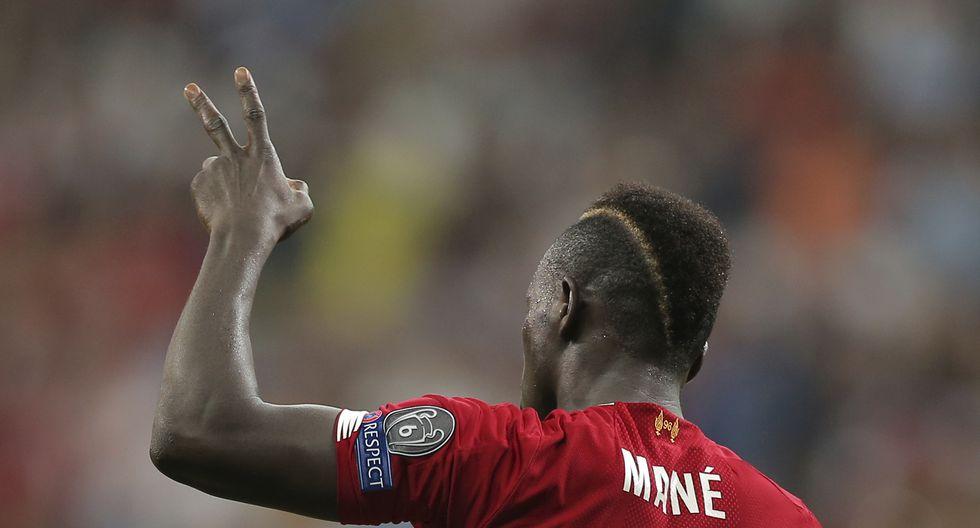 Sadio Mané agradeció el apoyo de los hinchas del Liverpool tras ganar la Supercopa | Foto: Agencias