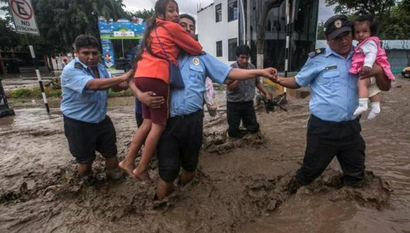 Ecuador: 60 afectados por las lluvias llegan desde el Perú