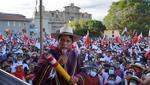 Pedro Castillo durante un mitin en Cajamarca. Distintas actividades del candidato en regiones han generado aglomeraciones sin guardar la distancia social por la pandemia del coronavirus. (Foto: Perú Libre)