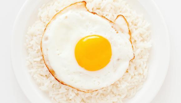 arroz con huevo frito. (Foto: istock)