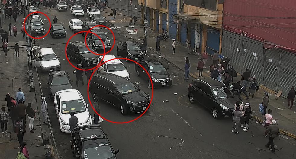 Una flota de modernas camionetas que circulan lentamente en los alrededores de Gamarra esconde una mafia organizada que opera como 'caravanas ambulantes'. Son más de 250, están protegidas y nadie las controla.