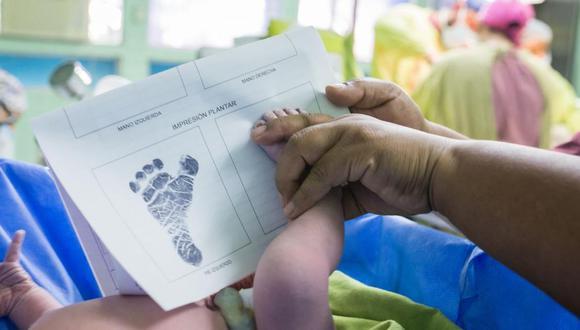 Chile acaba de promulgar una ley mediante la cual los padres podrán elegir el orden de los apellidos de sus hijos. Además, permite que los mayores de 18 años cambien el orden de los suyos si lo desean y sin necesidad de algún trámite judicial. (Foto referencial: Unicef)