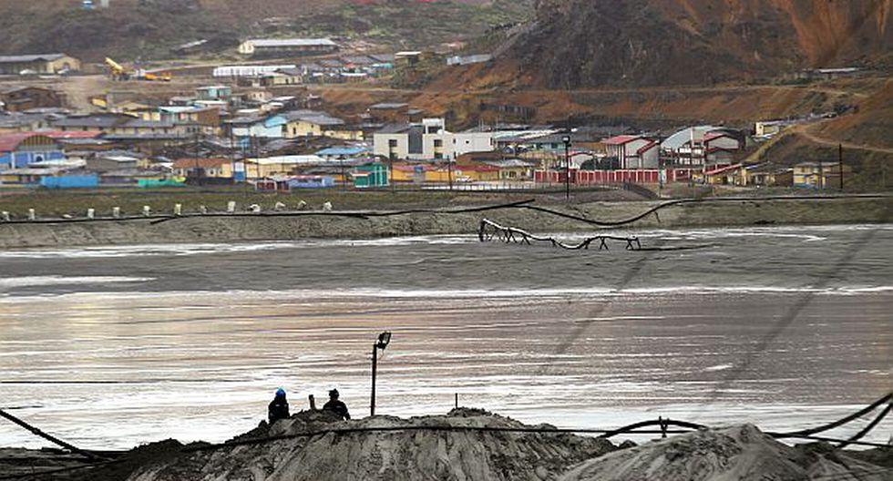 Chinalco detuvo vertimiento de residuos tóxicos a lagunas
