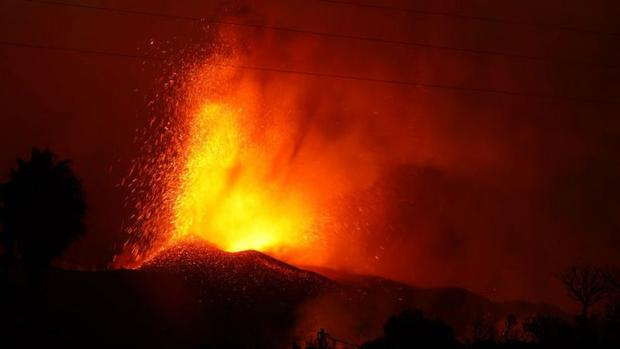 The eruption of the Cumbre Vieja volcano.  (Getty Images).
