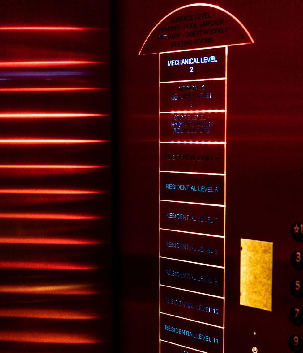 Las opciones de piso en el ascensor. (Chet Strange para The New York Times).