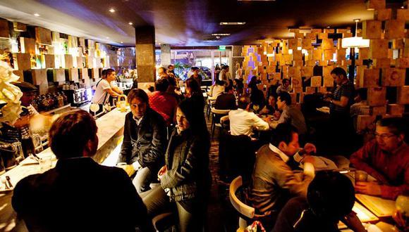 Los bares de Lima aún no tienen cuando volver a abrir sus puertas por la pandemia. Algunos de ellos se han acogido al beneficio del 35% para el pago de sus trabajadores.