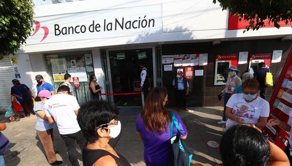 Recuerde que en el Banco de la Nación no se ofrece información sobre los beneficiarios del bono 600 soles. Solo acérquese si sabe que va a cobrar. (Foto: Hugo Curotto / GEC)