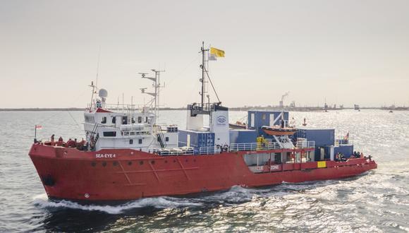 La Guardia Costera italiana detuvo el barco Sea-Eye 4, utilizado para el rescate de migrantes. (Foto: Maik Luedemann / See-Eye vía AP)